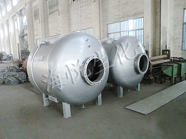 Compressed air pretreatment device